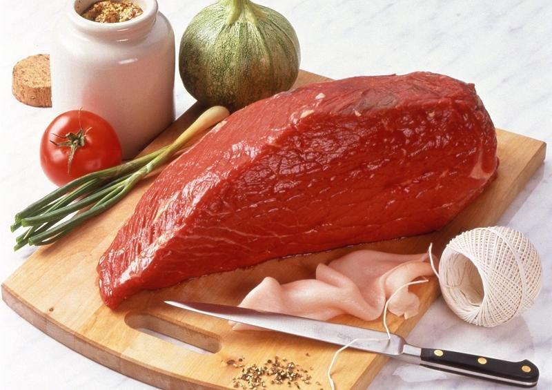 thịt bê tươi nguyên liệu quan trọng - cách làm giò me Nghệ An